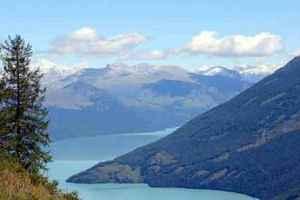 新疆阿勒泰布尔津县友谊峰冰川和白湖旅游攻略