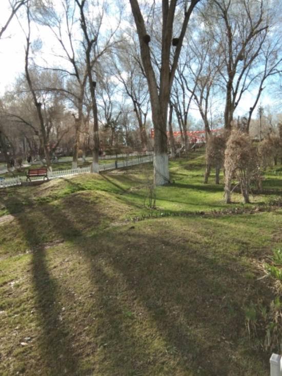 闲暇午游乌鲁木齐市红山公园