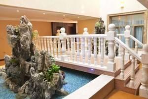 新疆阿勒泰市富蕴新华主题酒店