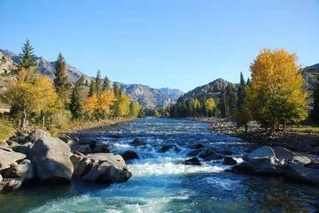 新疆阿勒泰额尔齐斯河,图一