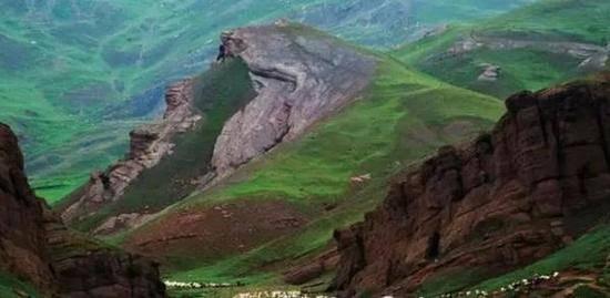 新疆阿图什夏牧场玉其塔什,图二