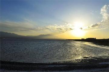 新疆乌鲁木齐市盐湖生态旅游区,图三