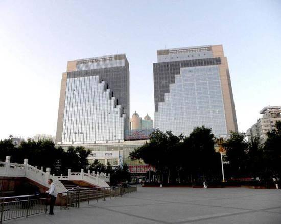 新疆乌鲁木齐人民广场,图三