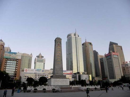 新疆乌鲁木齐人民广场,图二