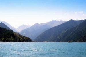 地势最高的天然冰场--天池