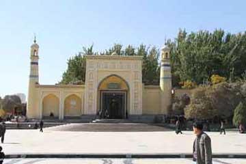 乌鲁木齐、喀什、卡湖、界碑、市内、达瓦昆沙漠双飞4日游